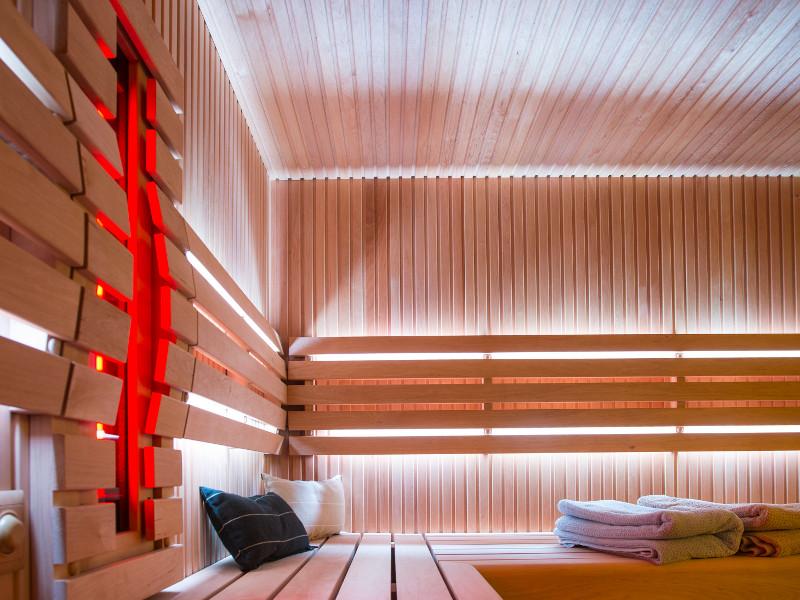house of wellness infrarot kombination. Black Bedroom Furniture Sets. Home Design Ideas